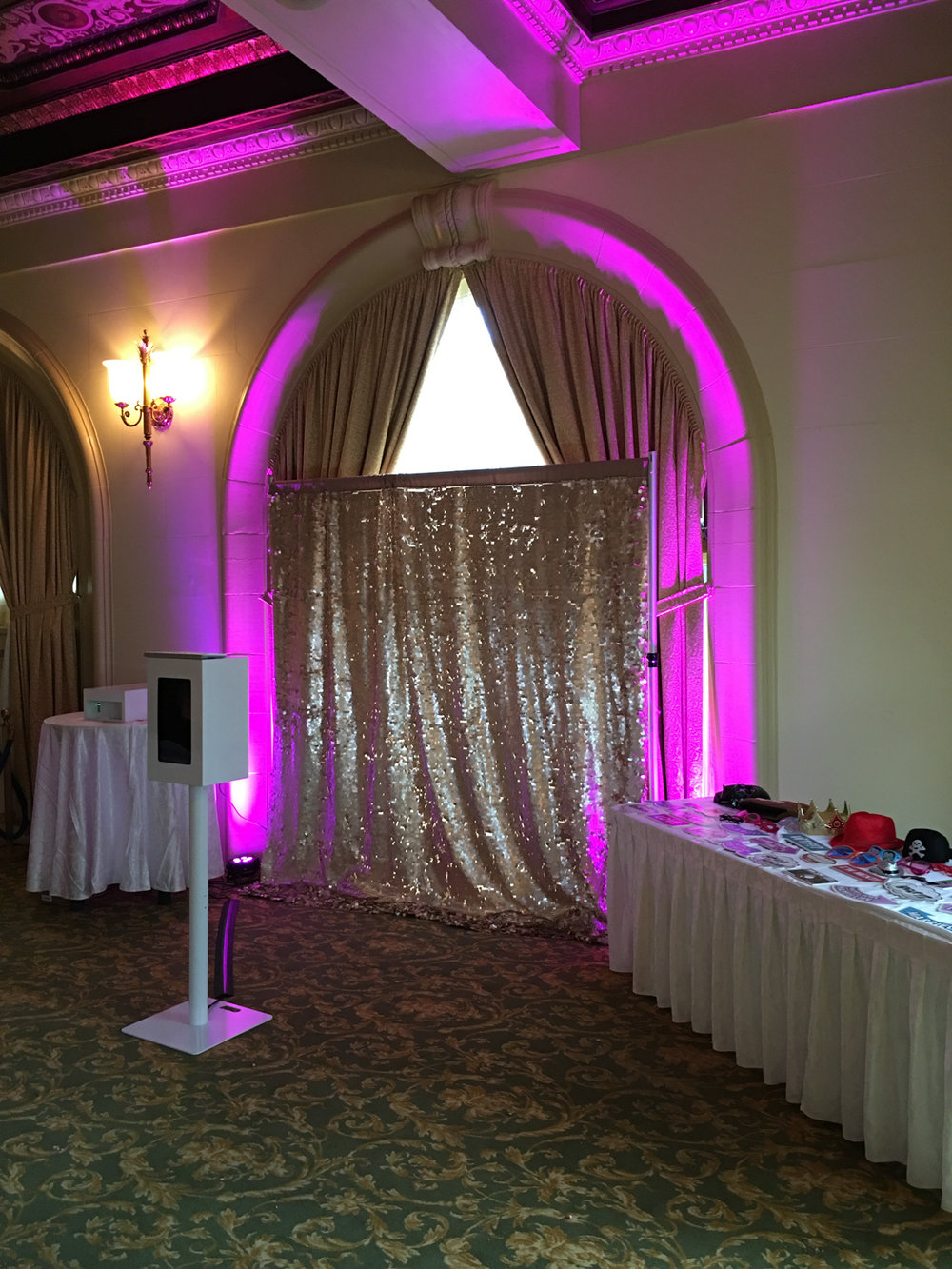 glitter-booth-photo-booth-2.jpg