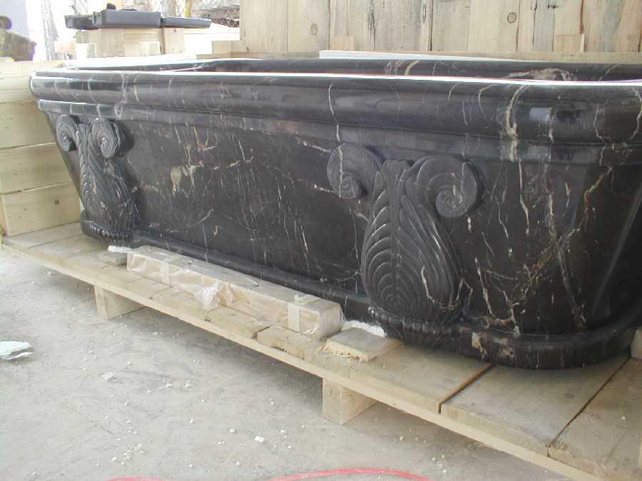 Tub Noir St Laurant (1).JPG