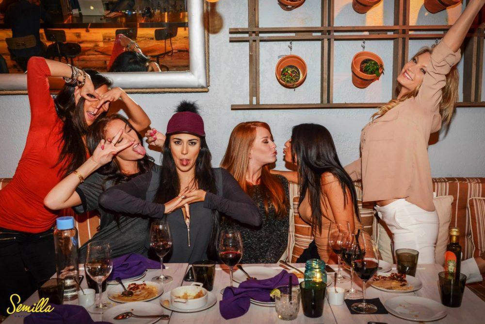 girls-dinner-miami2.jpg