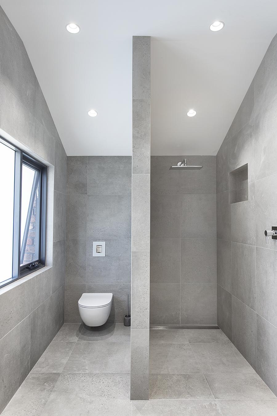 Trent Gabriels Bathroom 2.jpg