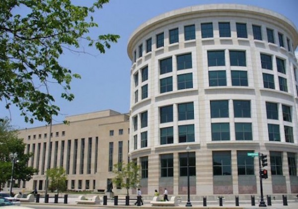 courthousefront-589x4421-600x422.jpg