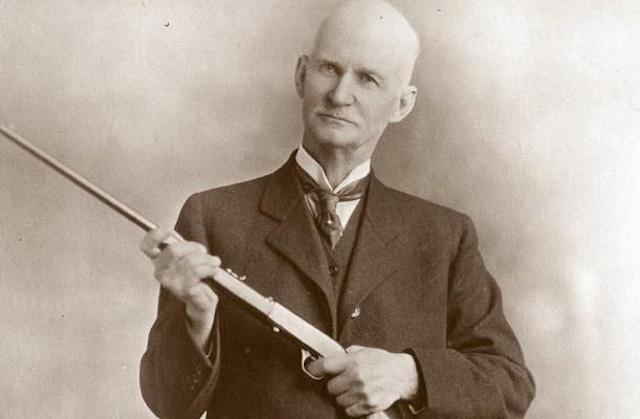 John-Moses-Browning.jpg