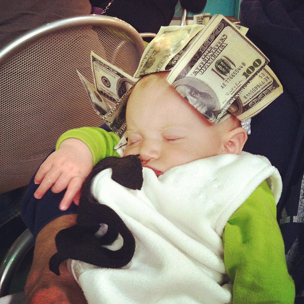 Baby Money Bag Halloween Costume @ohbotherblog