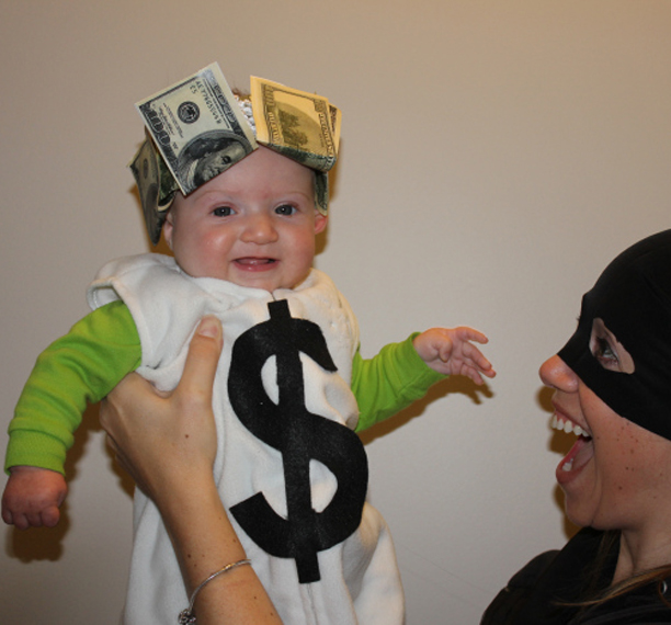 DIY Baby Money Bag Halloween Costume @ohbotherblog