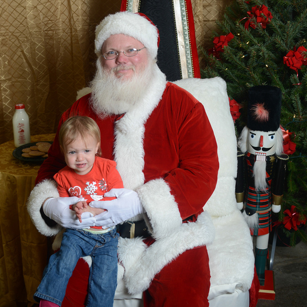 Toddler skeptical of Santa @ohbotherblog