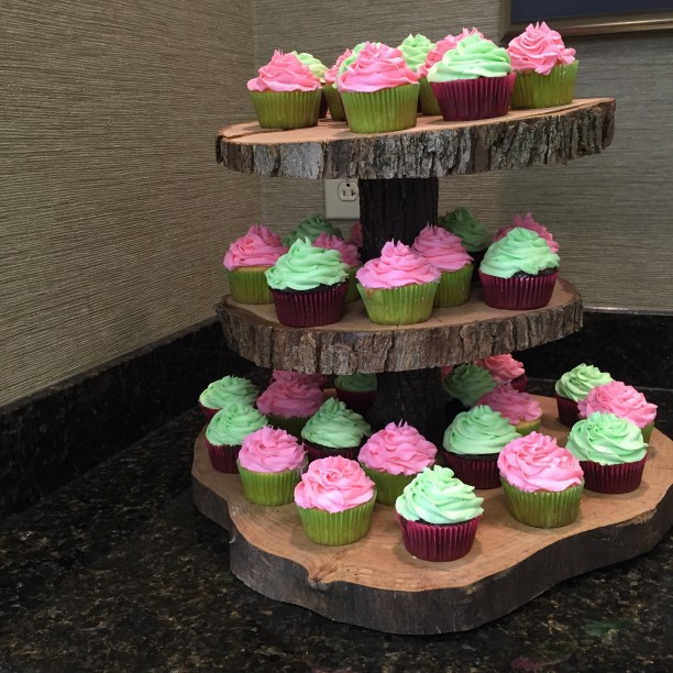 Tree stump cupcake stand for rustic bridal shower or wedding @ohbotherblog