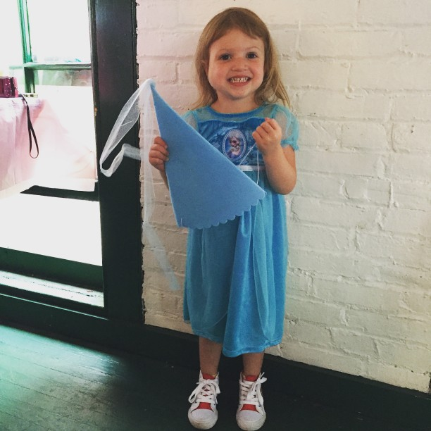#whatholdywore princess dress and sneakers @ohbotherblog
