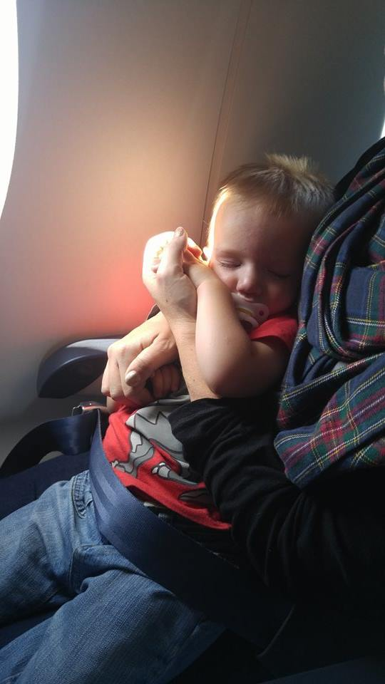 Toddlers on a plane @ohbotherblog