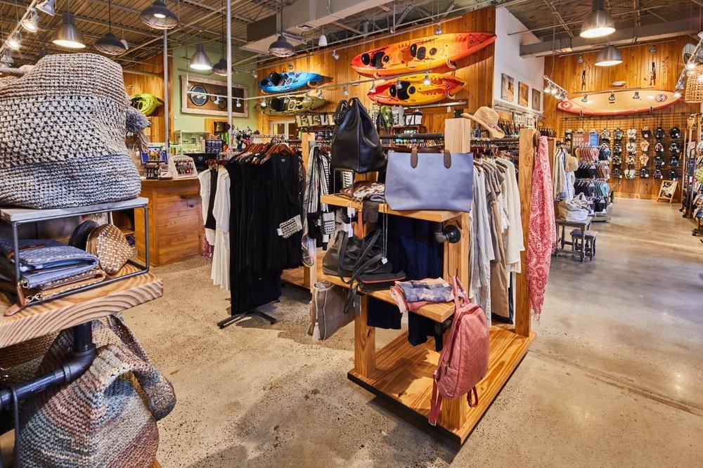 women-store-bags.JPG