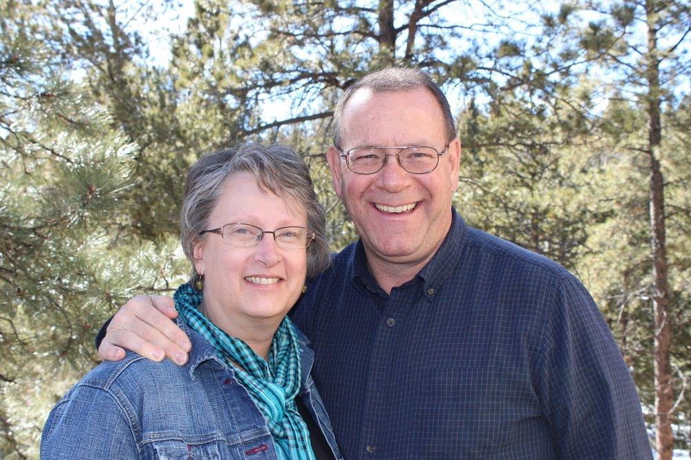 Bob & Sara Teters - Ministering in Mullen, Nebraska