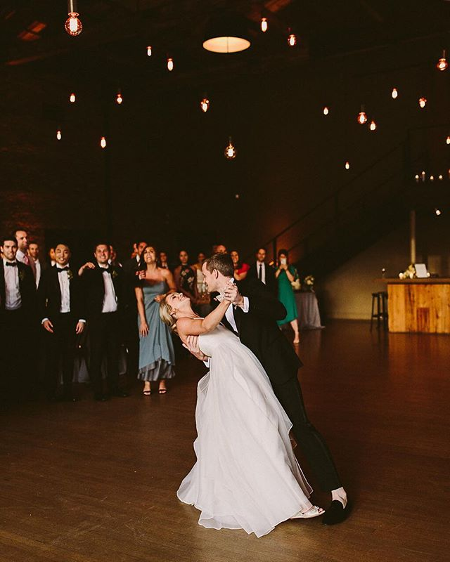 Loving this first dance under our Beam Chandelier @roundhousebeacon. . . Photo: @kelcialanephoto Planner: @modernkicksny Venue: @roundhousebeacon . . #lnjwedding #lnjweddings #weddinglighting #weddingdesign #firstdance #weddingreception #weddingchandelier #roundhousebeacon #roundhousewedding #hudsonvalleyweddings #upstatewedding #nyweddings