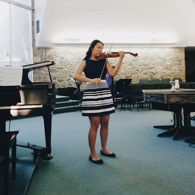 Finalist Jeeyoon Kim performing at the 2015 Competition for Young Musicians #vscocam #vsco #elpaso #violin #violinist #musicianlife #musician