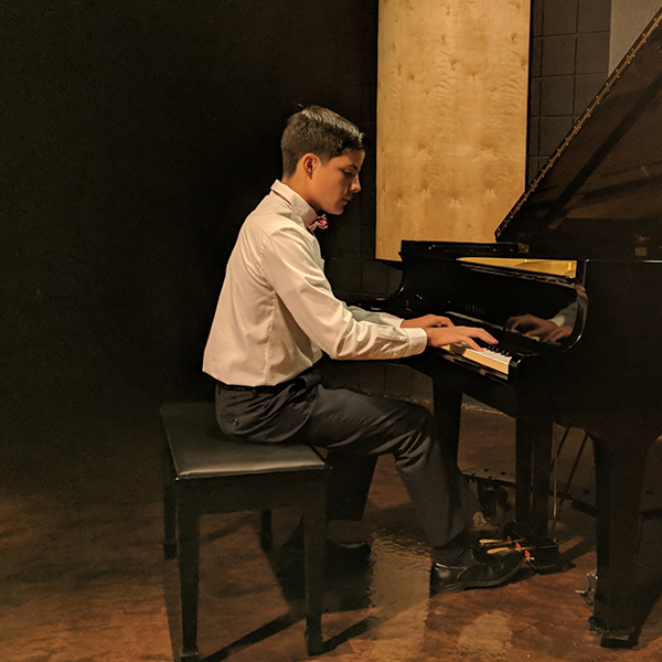 Erasto Cortés II , piano