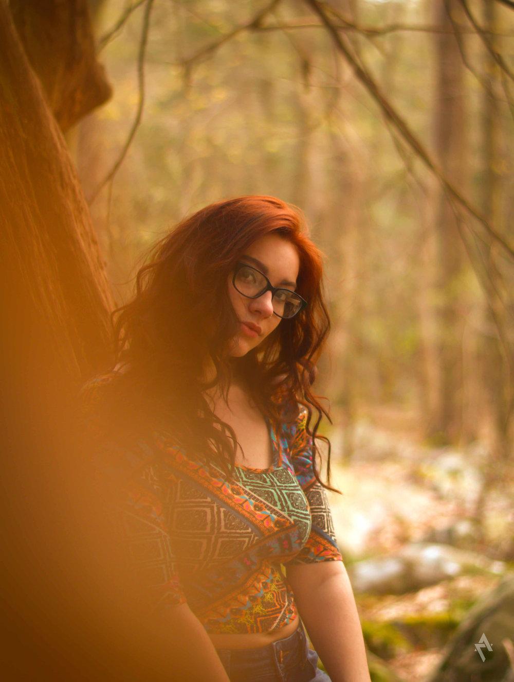 Lorna_portrait_photography_ligonier_pa_warmcolors_beauty_2.jpg