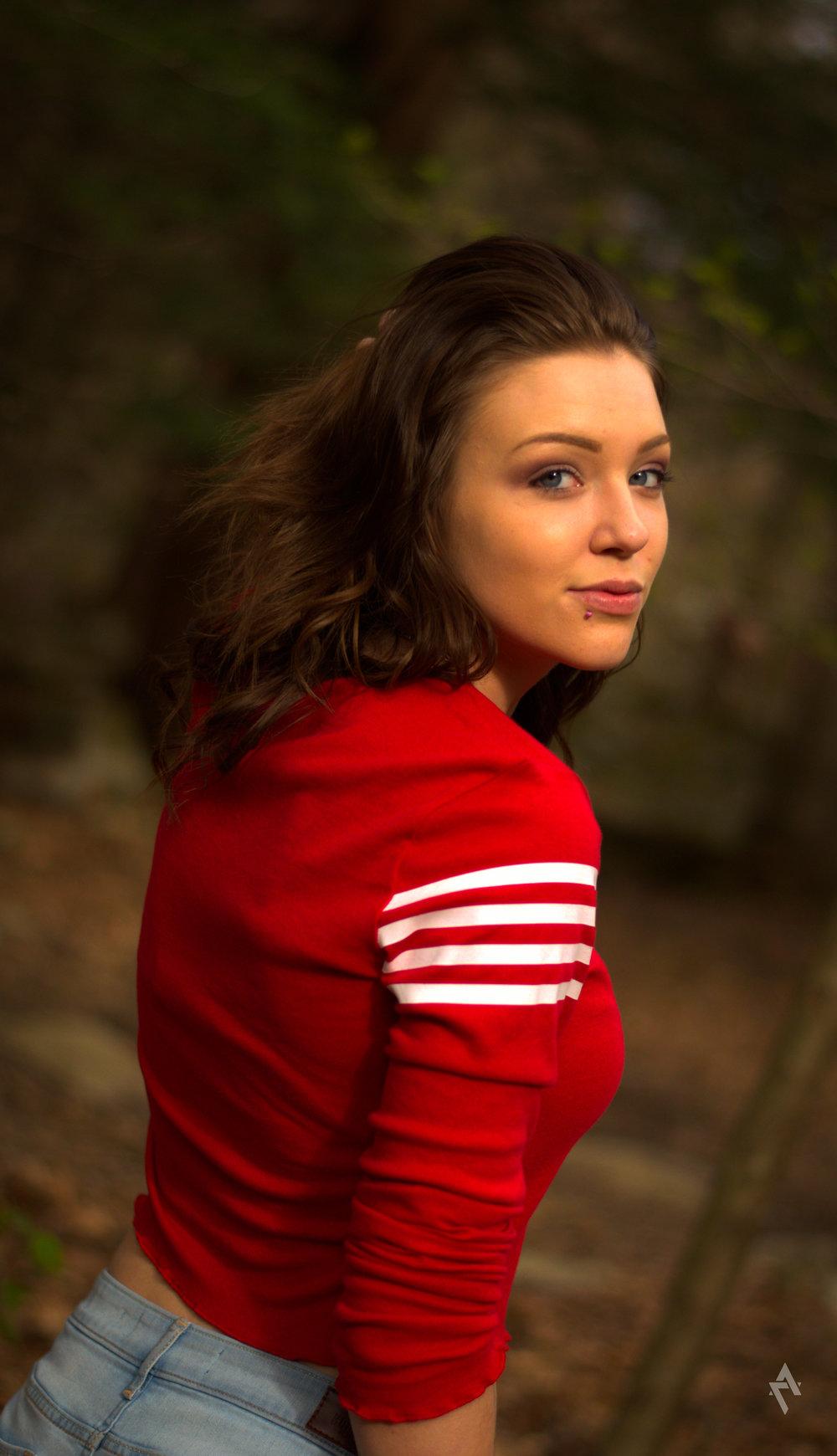 Abby_portrait_photography_ligonier_pa_warmcolors_beauty_9.jpg