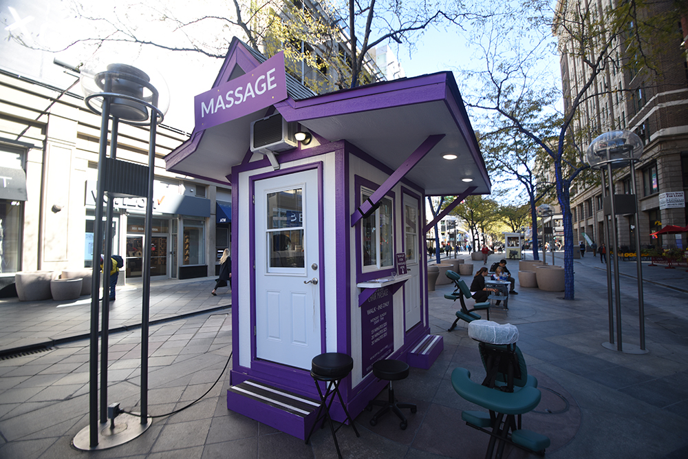 1_0004_Zenout-Massage-1.jpg