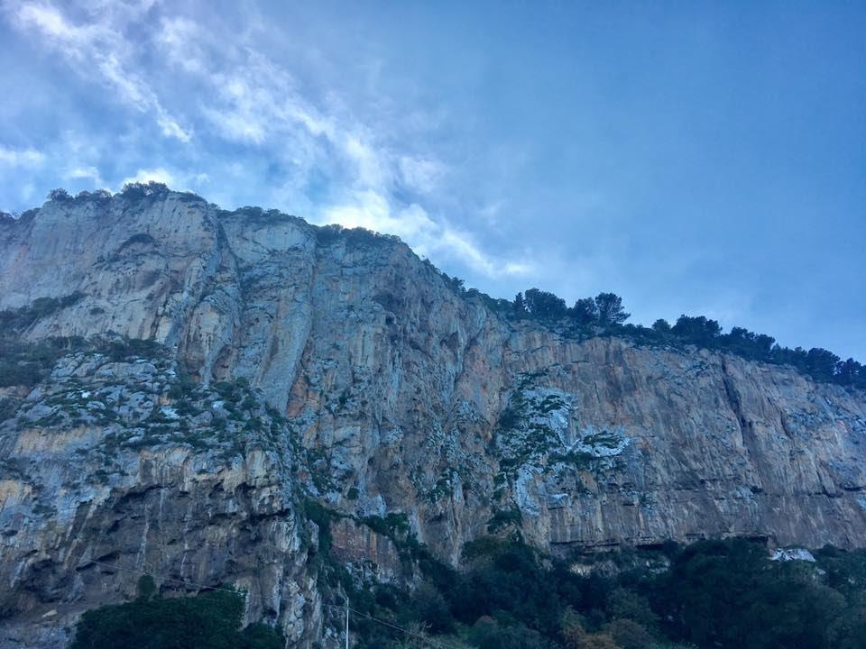 sicily_cefalu_cliffs.jpg