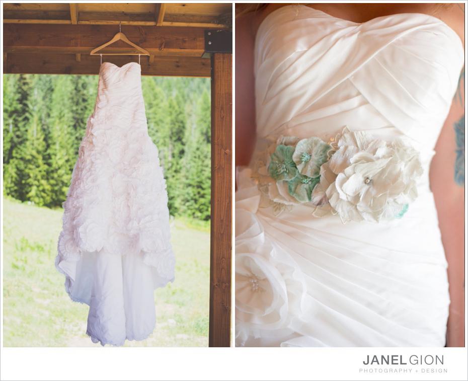 Janel-Gion-mountain-wedding-photos_dress_001.jpg
