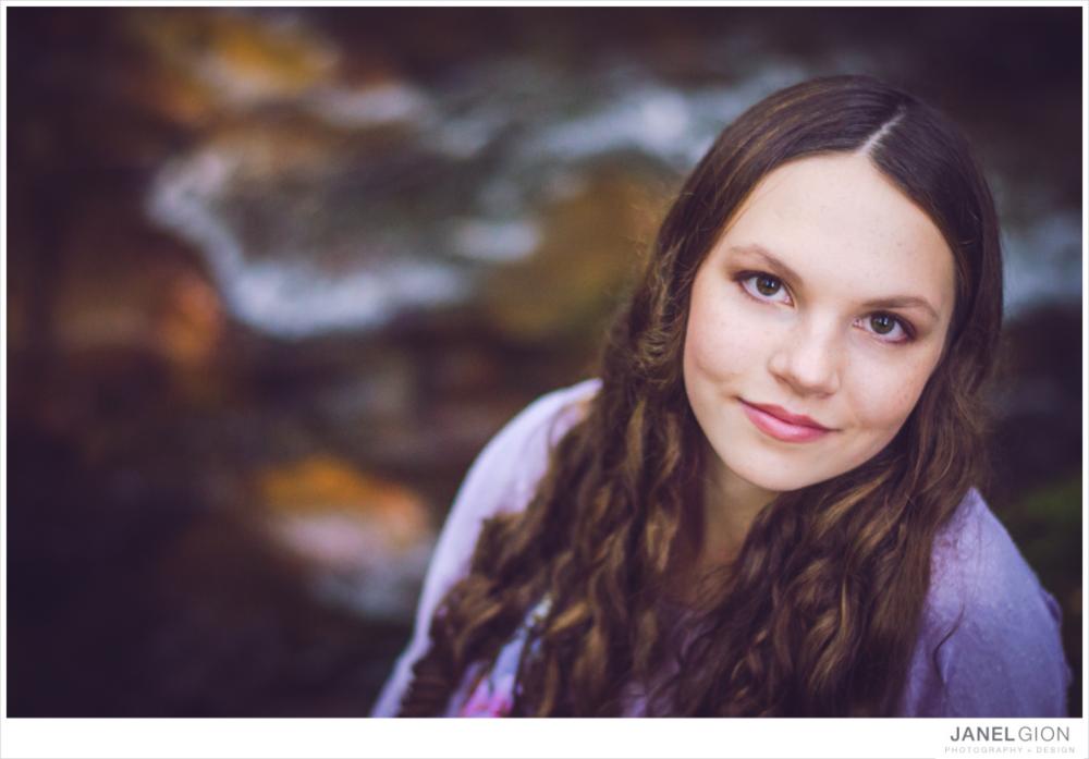 Sandpoint Idaho Family Photographer | Lifestyle Portrait Photography by Janel Gion | Sandpoint Idaho Senior Photographer