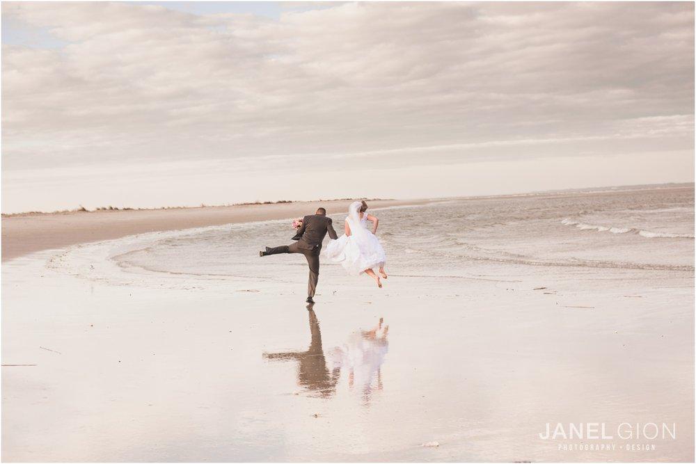 Janel-Gion-Hilton-Head-Island-SC-Destination-Wedding-Photographer_0029