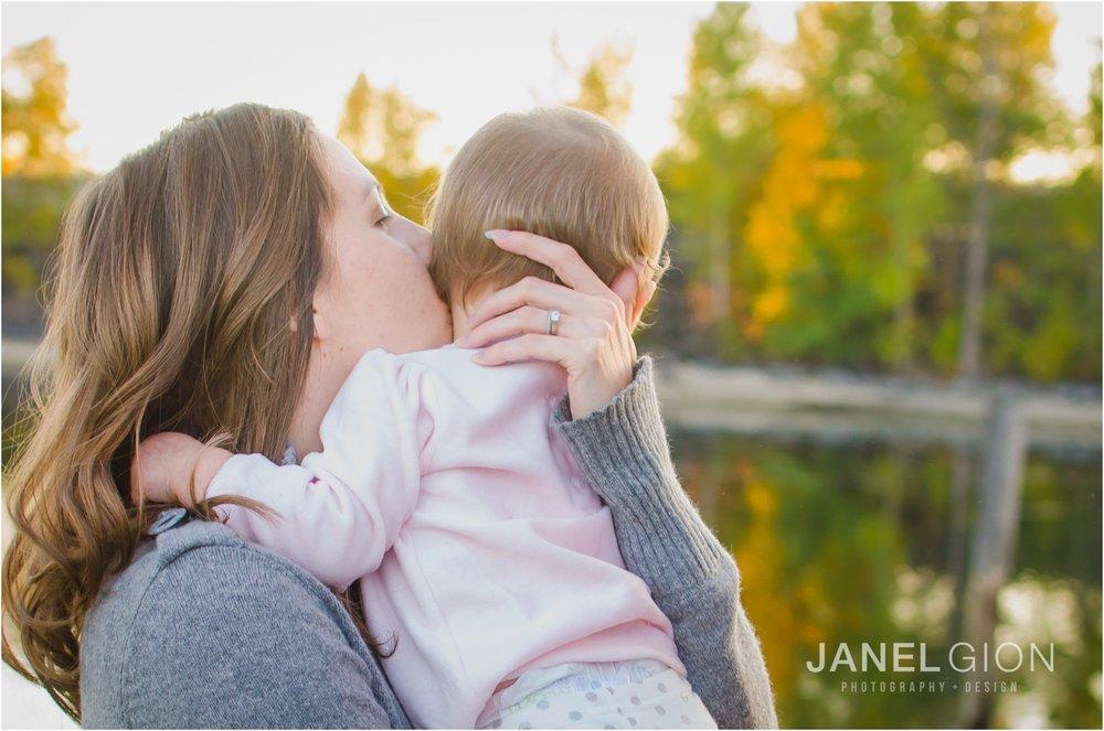 Janel-Gion-Sandpoint-Idaho-Portrait-Family-Photographer_0002