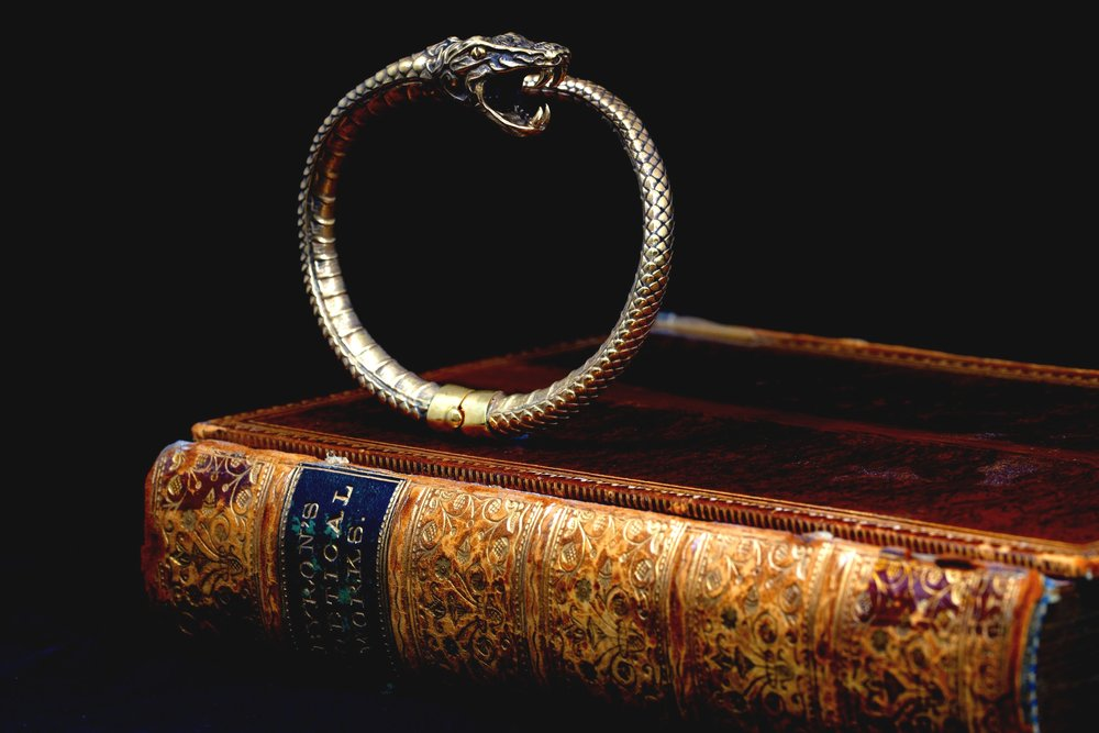 Gold+bespoke+snake+bangle+by+Timothy+Roe