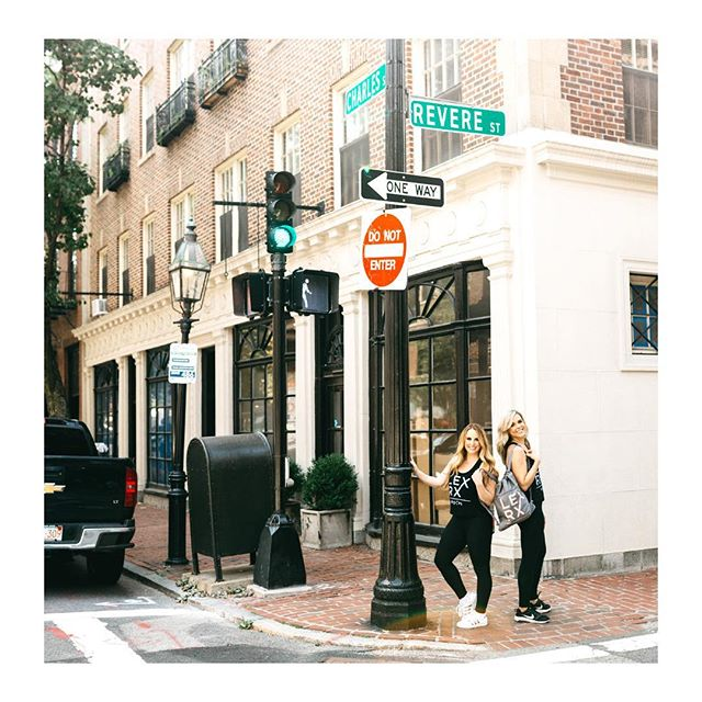Grab your BFFs + visit us this weekend at LexRx Beacon Hill + LexRx South Boston! We're open Saturday + Sunday at both locations 👯♀️👯♀️👯♀️ . #injectables #beaconhill #southie #seaportboston #botox #lipfillers #skincare #bestofboston