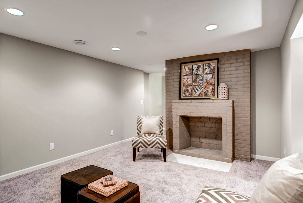 2913 Noble Avenue N-print-019-21-Lower Level Family Room-2700x1806-300dpi.jpg
