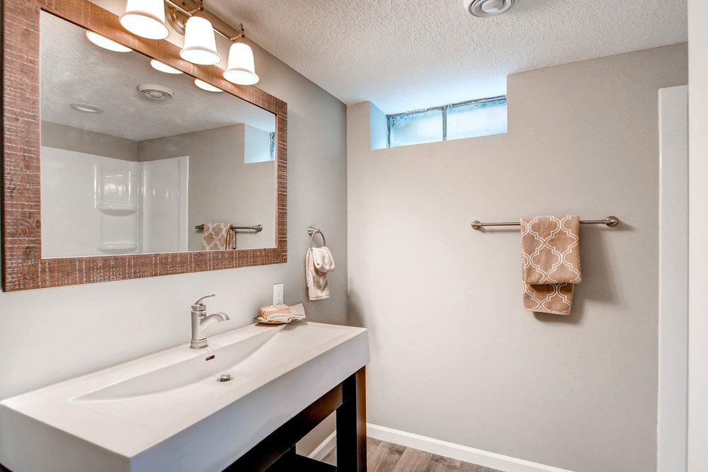2913 Noble Avenue N-print-023-18-Lower Level Bathroom-2700x1801-300dpi.jpg