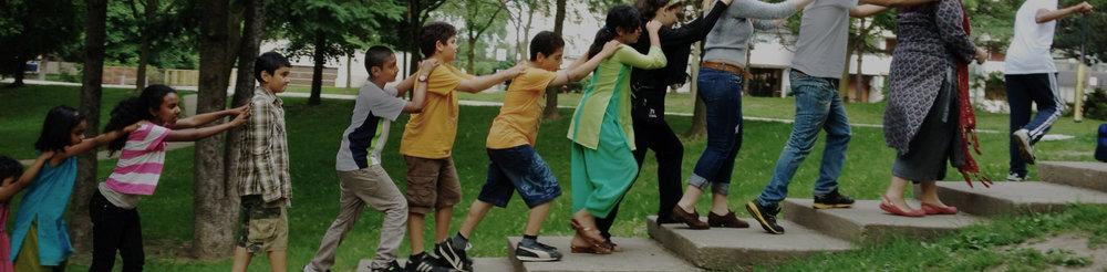 ….Parks can help solve social problems..Les parcs peuvent aider à résoudre des problèmes sociaux…. -