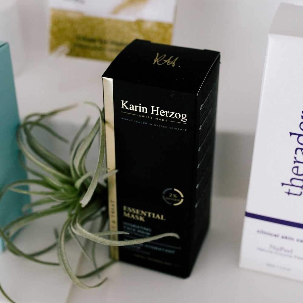 KARIN HERZOG   Patented anti-aging mask with 2% active oxygen, vitamin A and a blend of essential oils - the perfect treat before a big event or after air travel.   Why we love it:  + Minimizes breakouts and helps to fight blemishes + Reduces visible signs of aging and hyperpigmentation + Leaves the skin refreshed, plumped and radiant   Top Product:    Essential Oxygen Mask:  $60