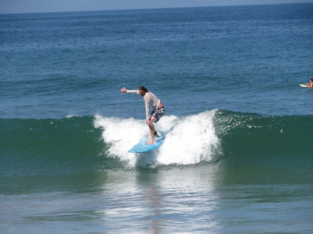jim-todo-bien-surfing.jpg