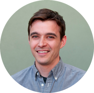 SPENCER HANSEN, LEAD UI/UX DESIGNER, SIMPLE THREAD  Spencer is a well rounded interaction designer heading up and building out the design practice at Simple Thread— a software development company based in Richmond, VA.