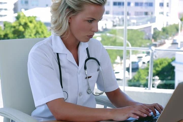 Télé-soins et autres services infirmiers - Service de coaching pour les personnes aux prises avec une maladie chronique telle que l'hypertension, le diabète et les maladies cardiovasculaires.