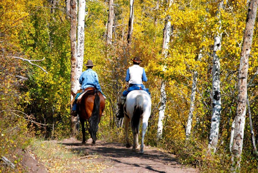 ThompsonDivideHart-horseback.jpg