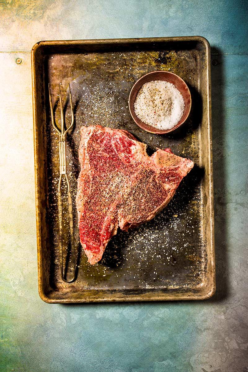 Raw-Tbone-Steak-2-5413.jpg
