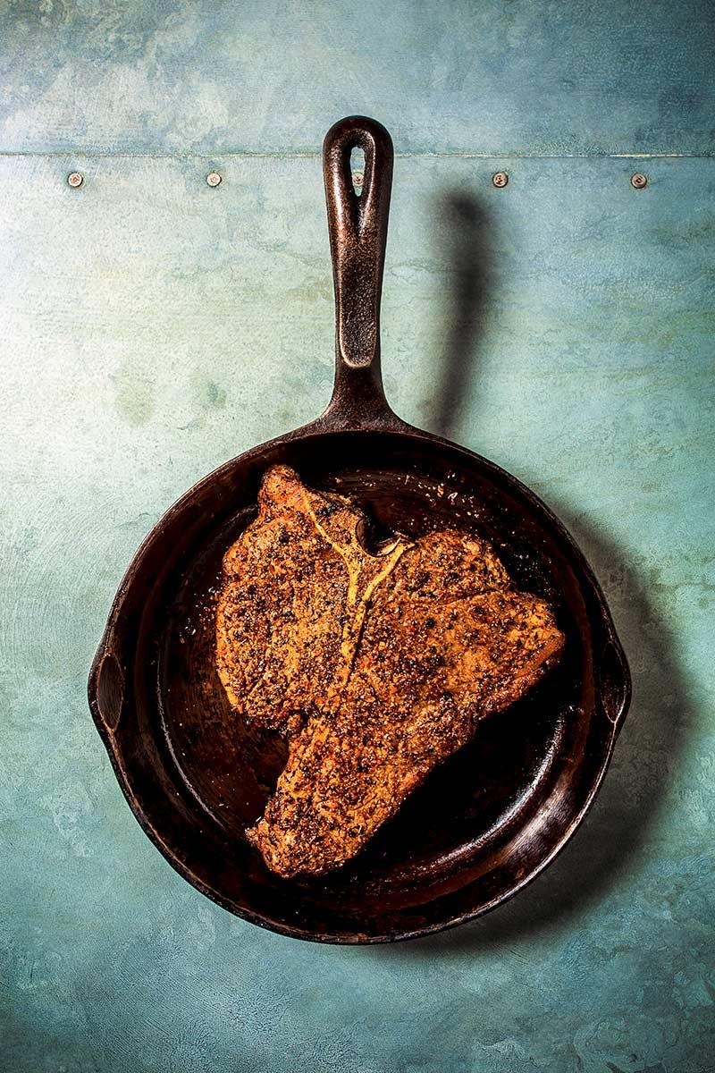 Cooked-TBone-Steak-2-5423.jpg