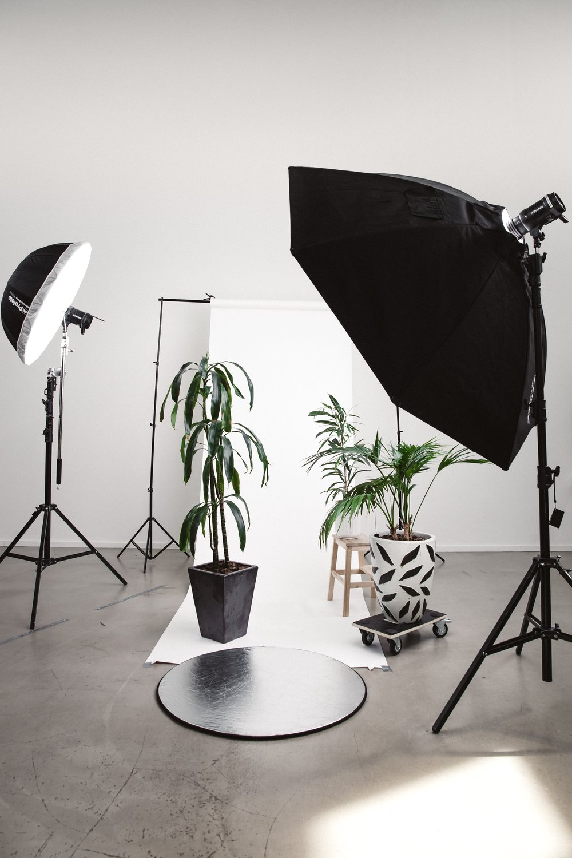 studio-photography-umbrella-lighting via krists-luhaers.jpg