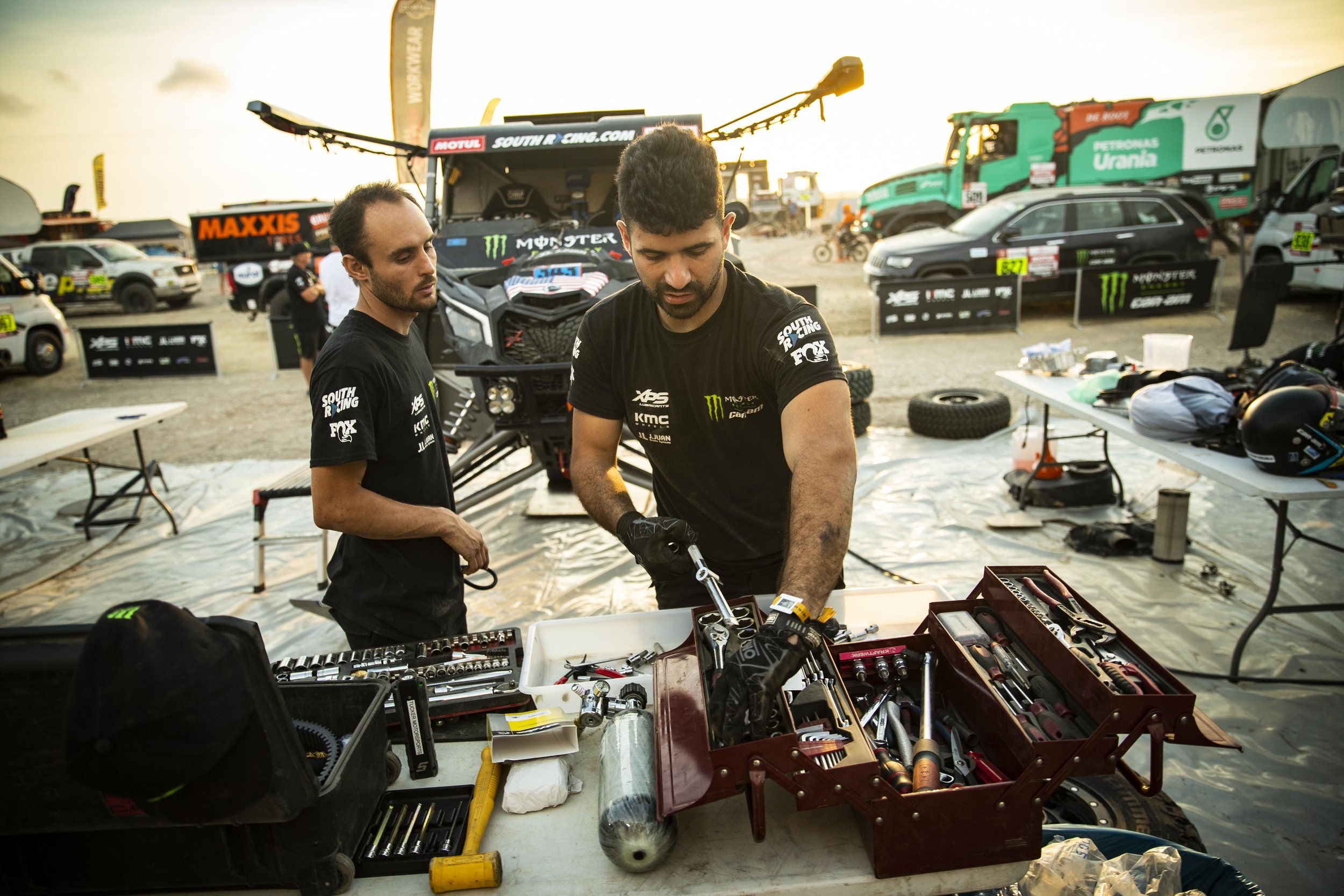 Tucker and Pedro Pedro meticulously going through checks to get the Can-Am ready for stage 3.