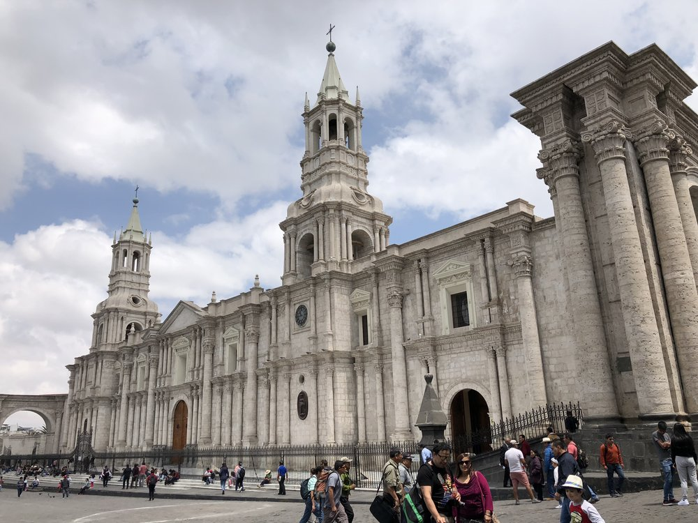A closer look at the massive Basillica Cathedral of Arequipa