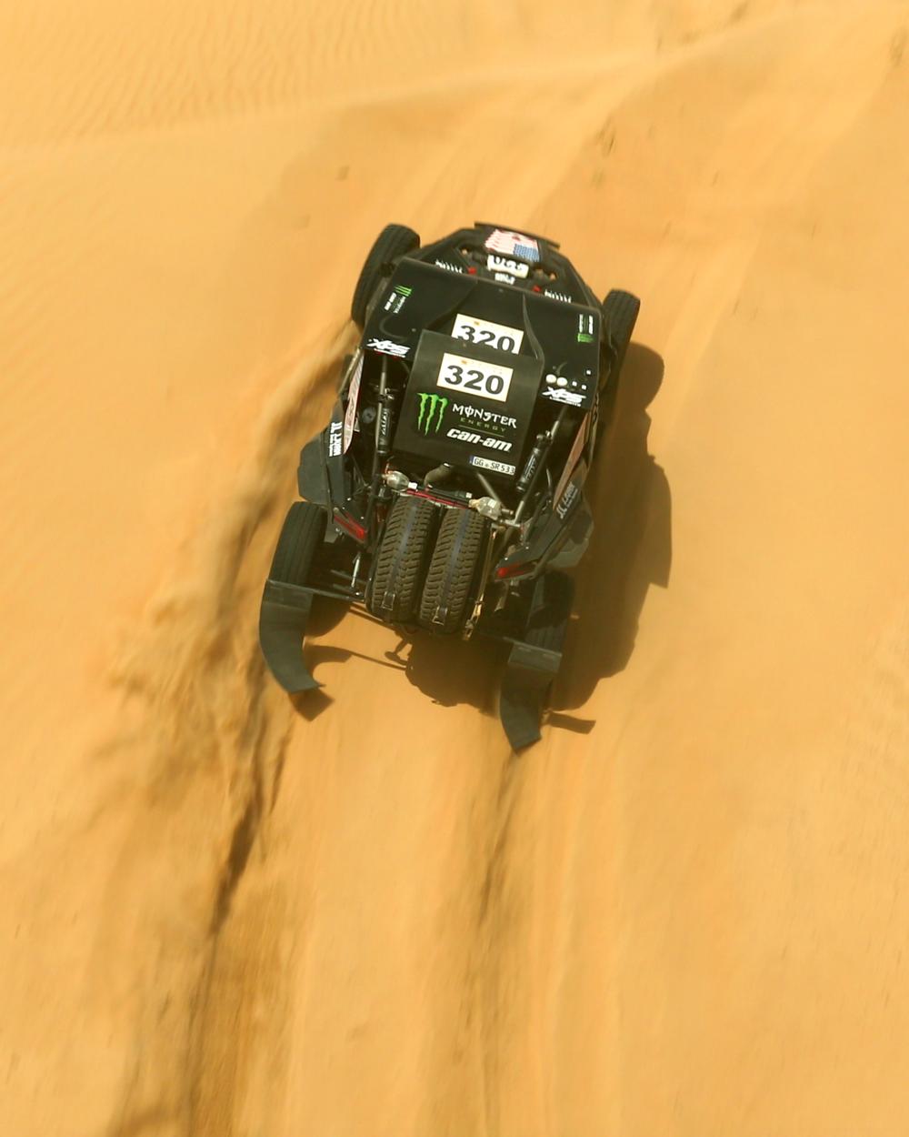 CaseyCurrie_AbuDhabiDesertChallenge_Rally_Stage1_Can-Am_003.jpg
