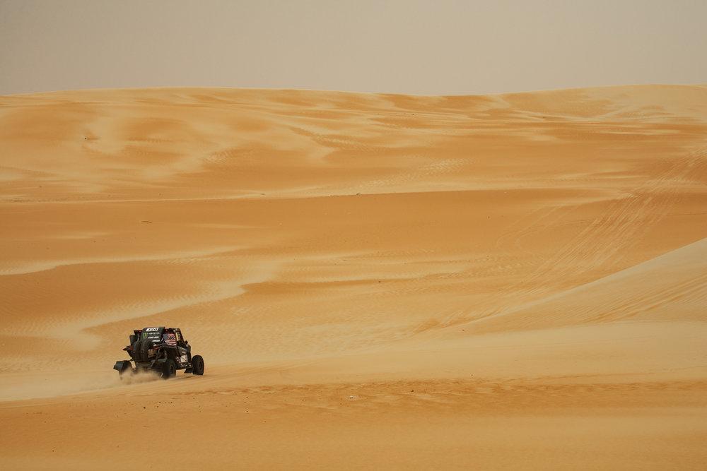 CaseyCurrie_AbuDhabiDesertChallenge_Rally_Stage4_Can-Am_007.jpg