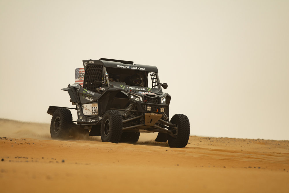 CaseyCurrie_AbuDhabiDesertChallenge_Rally_Stage4_Can-Am_005.jpg