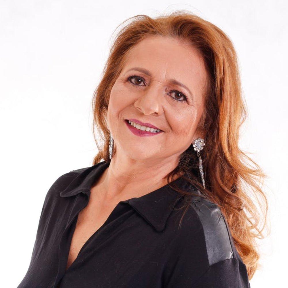 Professional-latina-woman-smiling.jpg