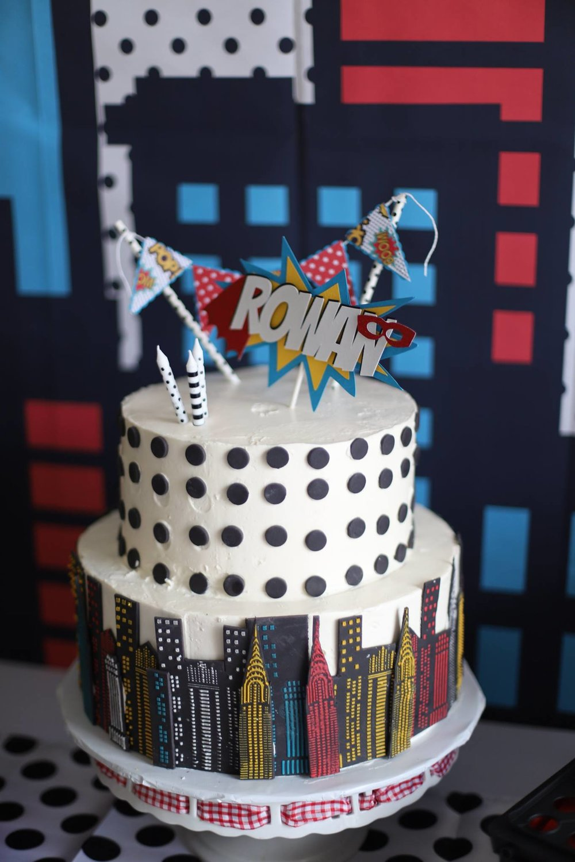 021__superhero_party_cake.jpg