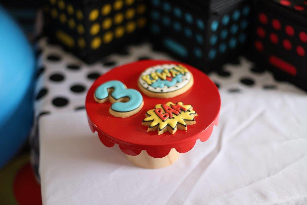 015_superhero_party_cookies.jpg