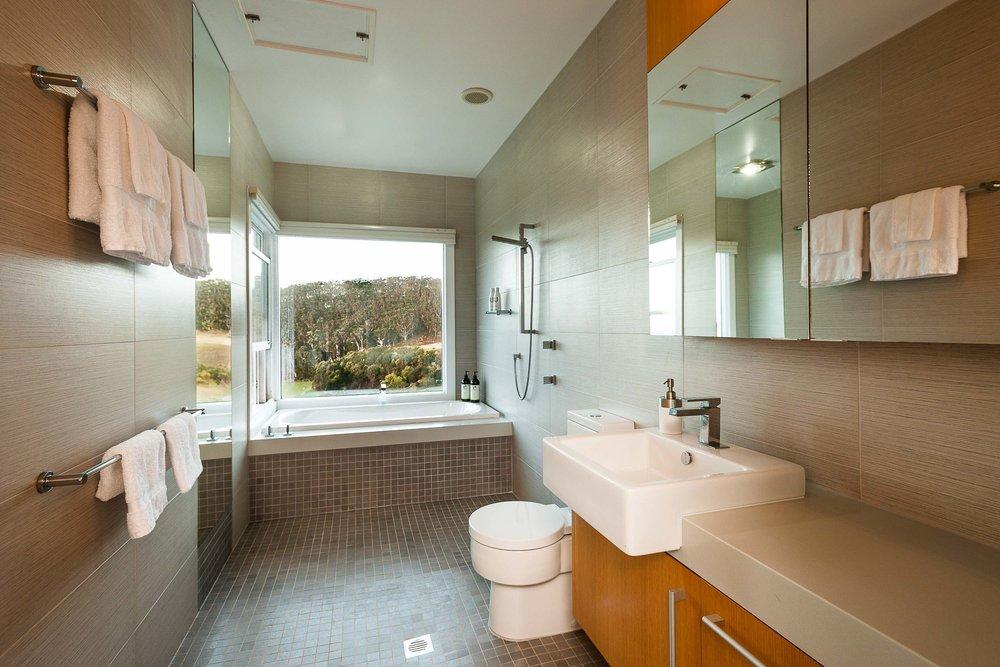 table house farm bathroom
