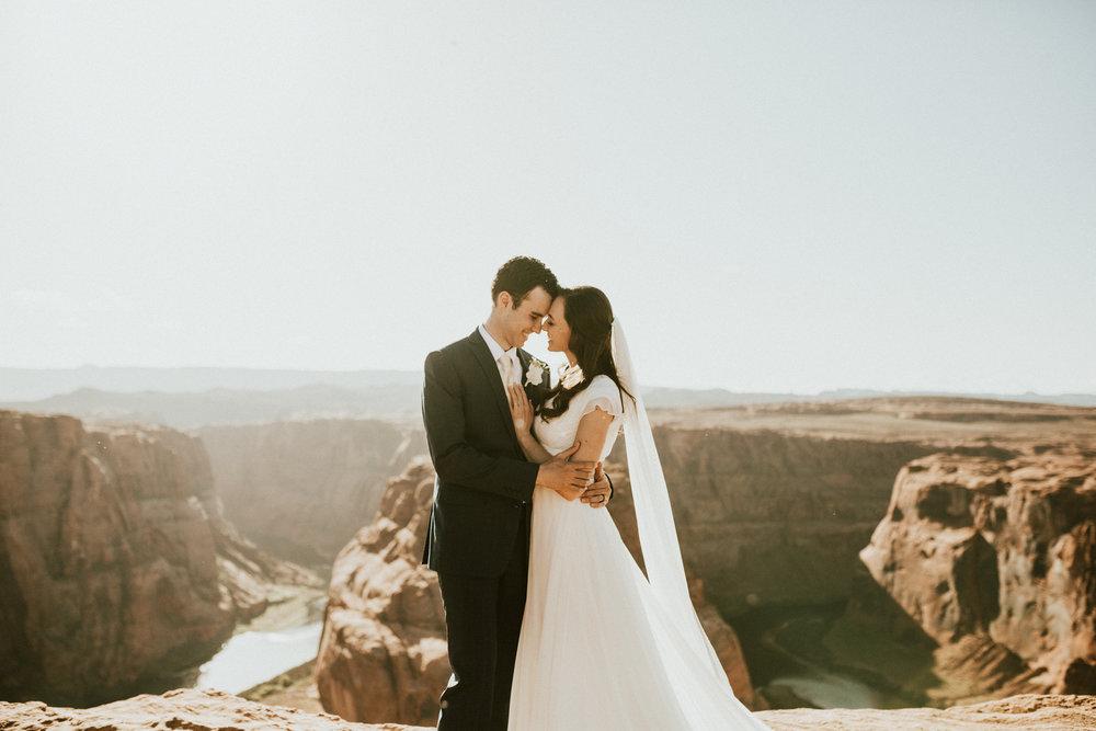 Horseshoe bend wedding photography