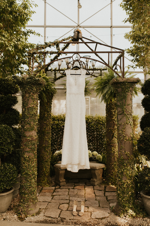 greenhouse wedding photos