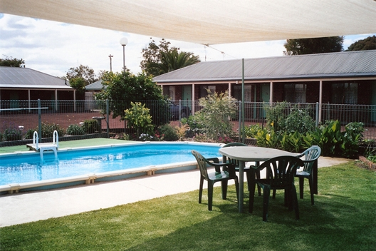 Barham Colonial Motor Inn - All rooms have Queen Beds as Standard along with full coffee/tea making facilities complimented by a microwave and toaster and full ensuiteA: Corner Murray & Chester St BarhamP: 03 5453 3099 1800 015 173E: enquiries@bcmotel.com.au